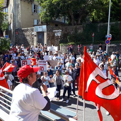 Malgré les 200 manifestants devant l'ARS au Puy contre les sanctions, des personnels sont suspendus : tous à la manifestation le samedi 18 septembre à 14h devant la Préfecture du Puy
