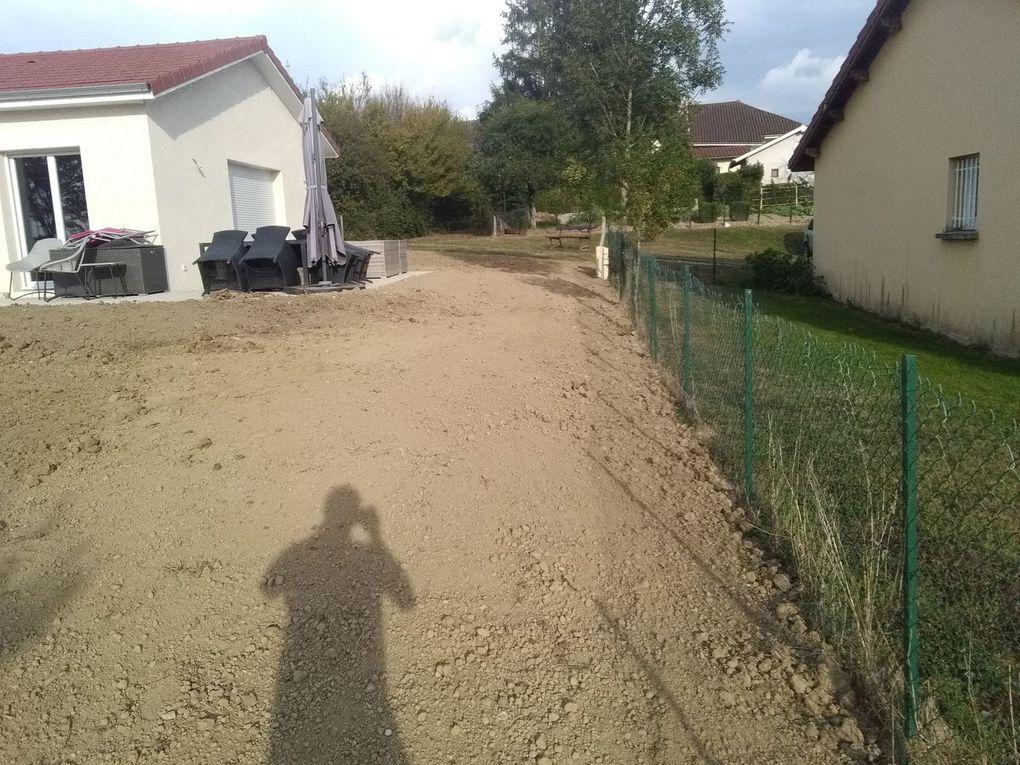 Remise en place de terre et terrasse pour un futur parking