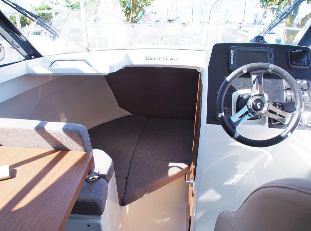 Ideal for coastal cruising, the new Bénéteau Antares 7