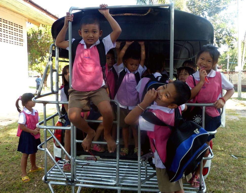 Bus scolaire... - Scène de la vie quotidienne (19-10)