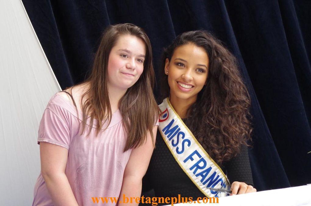 Ce Mercredi 2 avril, le Centre commercial Leclerc de Saint-Grégoire, recevait en séance de dédicace, Miss France 2014