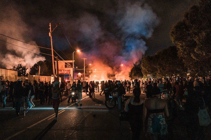 USA - Minneapolis: La ville s'enflamme (photos)