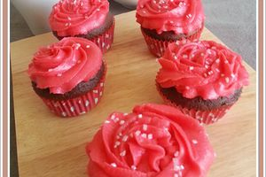 Cup cakes chocolat coeur  framboise