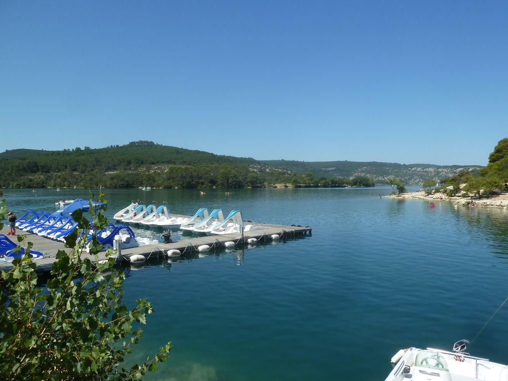 Le Lac de Sainte-Croix, de Quinson-Montmeyan et d'Esparron-de-Verdon.