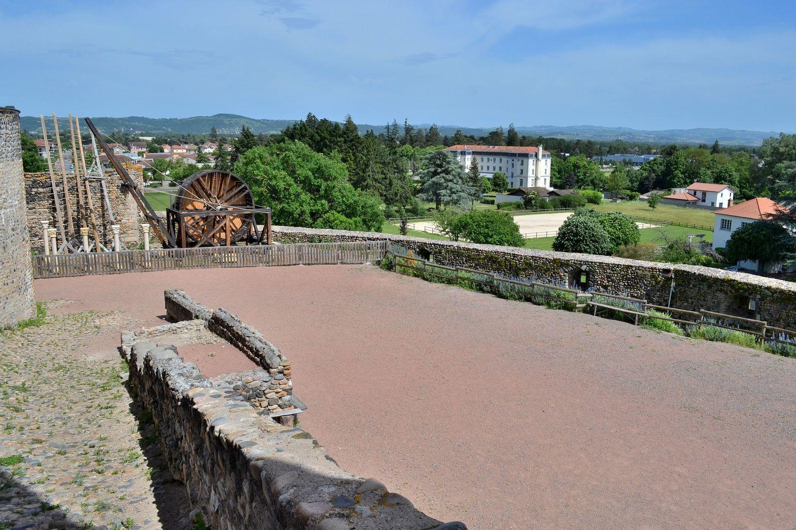 Le château de Montrond-les-Bains...