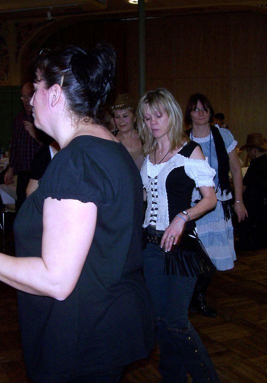 Pour un premier bal c'était très bien Sylvie, bien organisé, des danses pour tous le monde, super après midi de danse.  Merci a tous