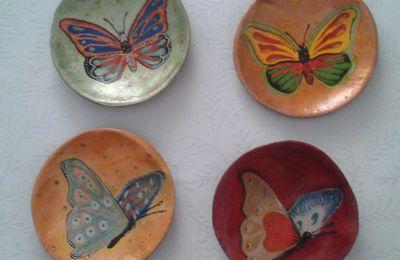 Coupelles : les papillons.