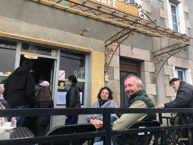 Ouverture de l'auberge L'Arrêt-Bus