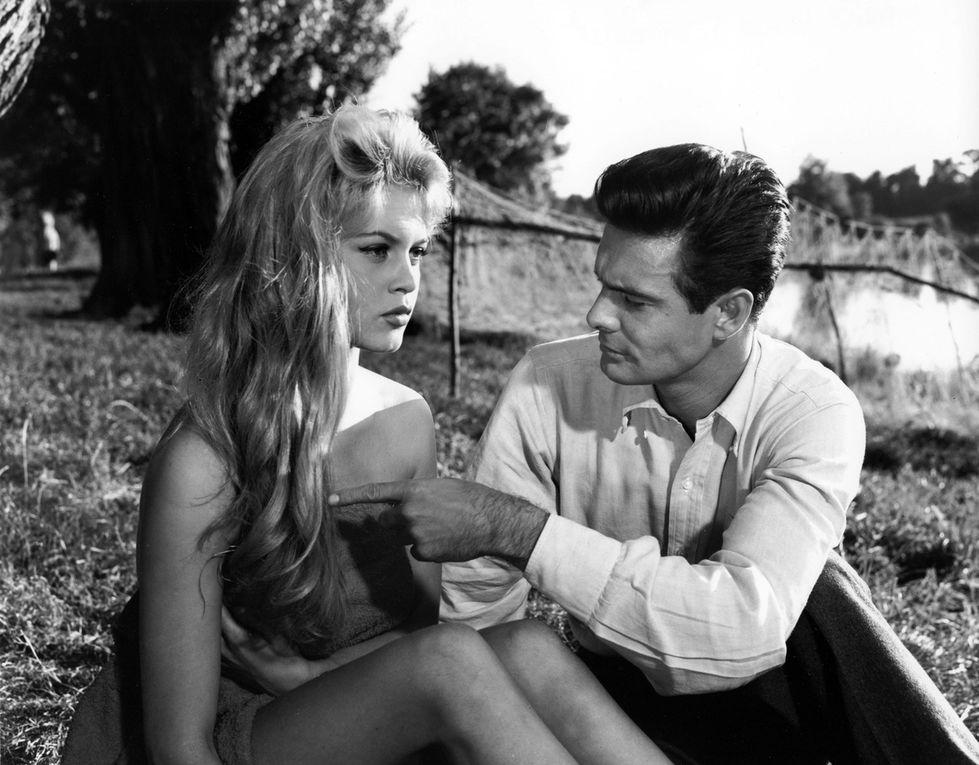 Brigitte Bardot et les hommes en 22 clichés...
