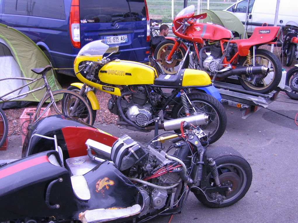 Photos CAIMAN 2014, démonstrations sur piste motos et side-cars anciens Croix en Ternois
