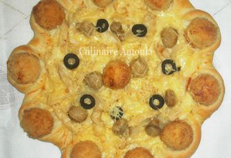 "Pizza ""Crown Crust"" au poulet"
