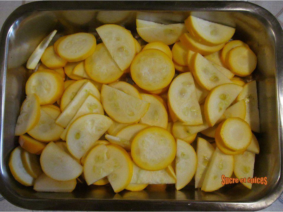 Courgettes gratinées, sauce crémeuse au parmesan - Recette en vidéo