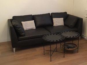 Canapé IKEA Stockholm cuir Seglora neuf et après quelques années