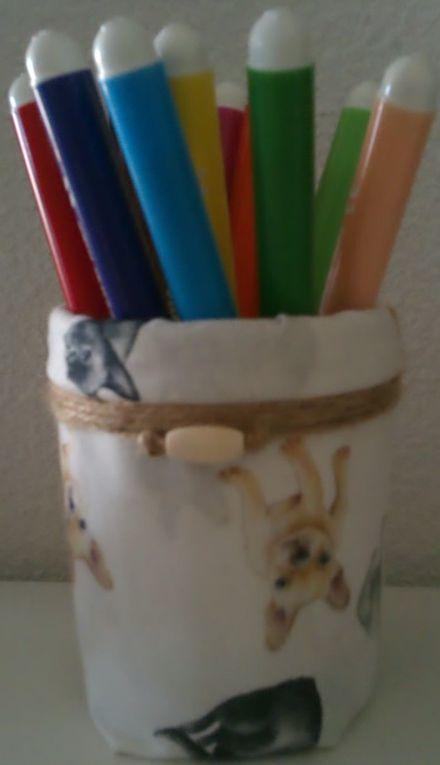 Tissu - Métal - Corde - Perle - Papier - Fil - Laine - Plastique - Matière organique - Verre