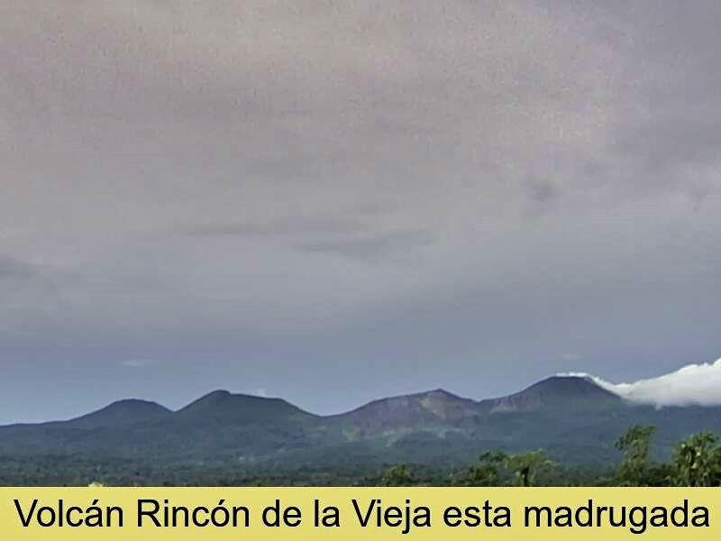 Rincon de La Vieja - panache de l'explosion hydrothermale rabattu par les vents / 03.11.2020 - doc. Ovsicori