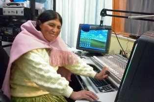 La Bolivie réhabilite les médias fermés suite au coup d'État