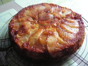 Gâteau moelleux aux poires et caramel