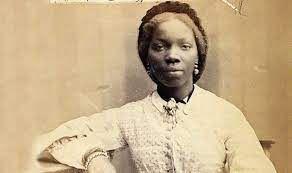 Phillis Wheatley, à été la première écrivain(e) afro-américain(e) à publier un livre aux États-Unis.