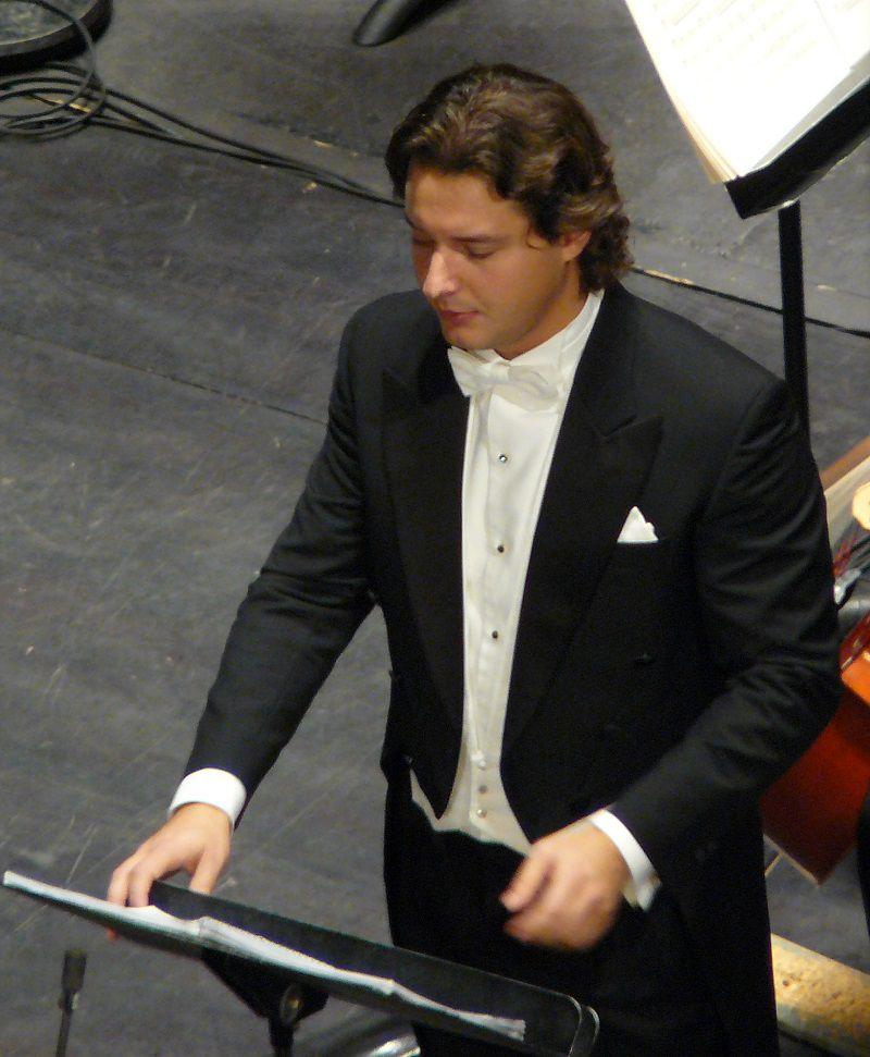 Dmitry Korchak (Rodrigo)