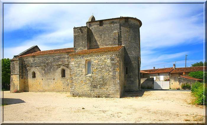 Diaporama église fortifiée de Brie sous Matha