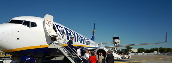 Ryanair: 100,000 SEATS on sale for just €9.99