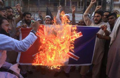 Caricatures de Mahomet : Flambée de haine anti-française dans le monde musulman, appels au boycott des produits français, après la décapitation de Samuel Paty (MàJ)