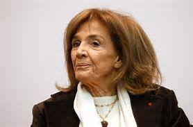 Gisèle Halimi, célèbre avocate franco-tunisienne, décédée à 93 ans, a été enterrée ce matin au cimetière du Père Lachaise. Un hommage national lui sera rendu à la rentrée