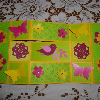 Carte oiseau et fleurs