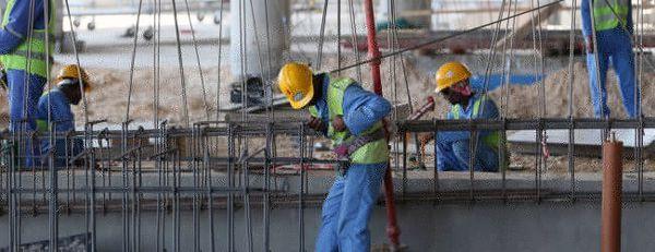 Chut. 1 200 ouvriers sont déjà morts sur les chantiers du Qatar, et le FIFA s'en fout...
