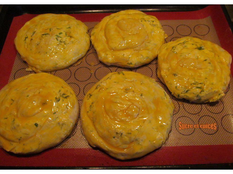 Escargots au fromage frais et aneth - Placinte invartite cu branza si marar