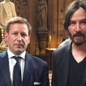 Keanu Reeves sends Twitter into meltdown after visit to Parliament