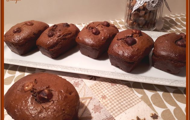 Minis cakes au chocolat et aux noisettes