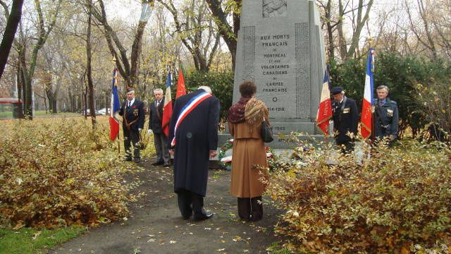 Ce dimanche 15 novembre 2009, les Anciens Combattants ont rendu hommage aux morts de la 1ère Guerre Mondiale; la  section UMP-Québec a déposé une gerbe.