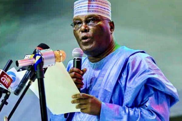 Imágenes de Atiku Abubakar, candidato a la presidencia de Nigeria.- El Muni.