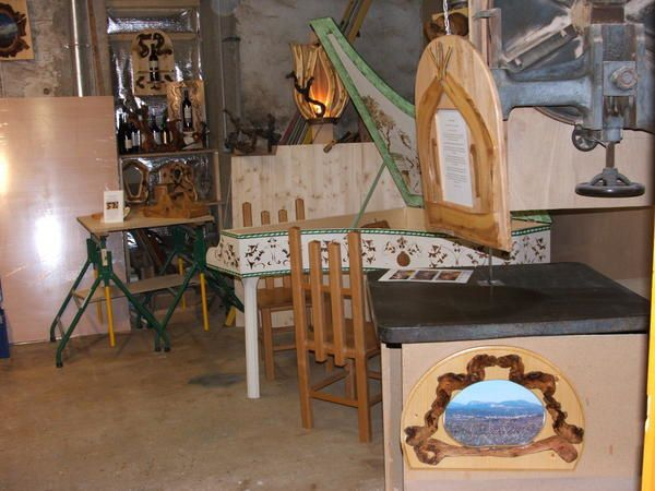 Pour admirer mes pièces directement il faut aller sur mon site www.bois-liberte.fr