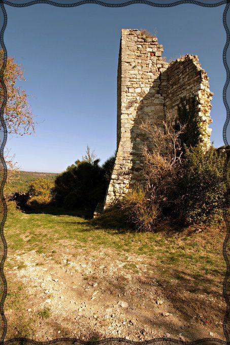 Diaporama château et rempart de Valaurie