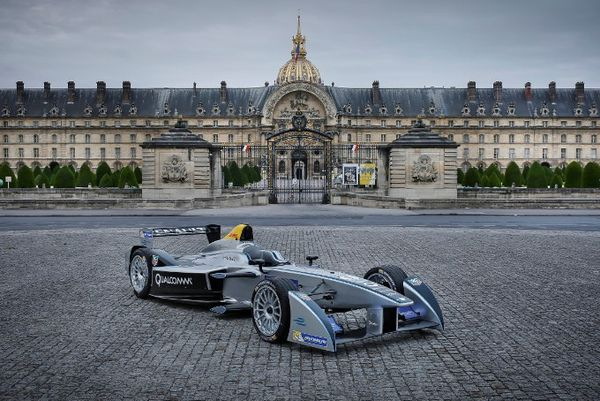 TO WELCOME FORMULA E IN 2016 French capital to host ePrix on April 23rd PARIS, FRANCE