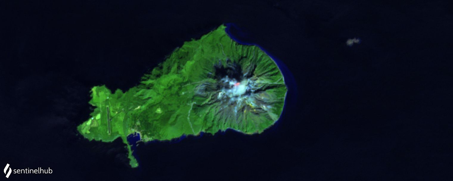 Ryukyu / caldera Kikai - Sentinel 2 L1C bands 12,11,4 from 03.10.2020 - with a hot spot in the crater - one click to enlarge