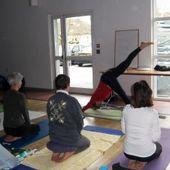 """""""Symbolique des postures: s'ouvrir à soi pour mieux s'ouvrir au monde"""" stage de yoya organisé par l'Union comtoise de yoga"""