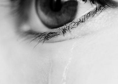 keiner sieht mich in der nacht wenn ich wein....