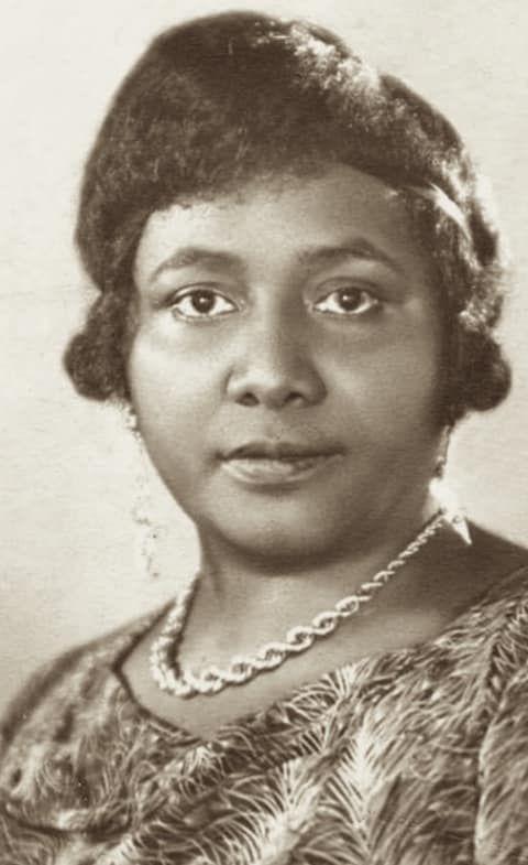 «Paulette NARDAL (1896-1985), marraine et égérie de la Négritude» par Amadou Bal BA - http://baamadou.over-blog.fr/