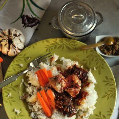 Noël à Madagascar: Sauté de porc et dinde à l'ail, Henakisoa sy Vorotsiloza nahandro gasy