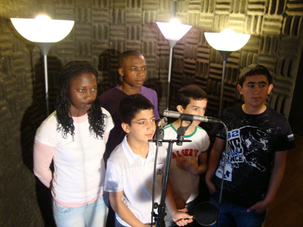 Séance d enregistrement de notre disque! Avec Civan, Zaki, Vanusa, Saban et Adda! Les autres élèves du DAI iront le 7 juin!