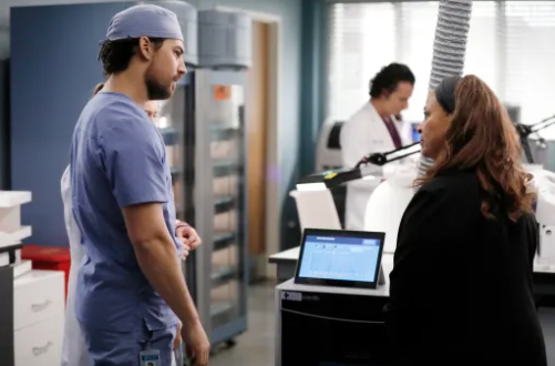 Critiques Séries : Grey's Anatomy. Saison 16. Episode 21 (season finale)