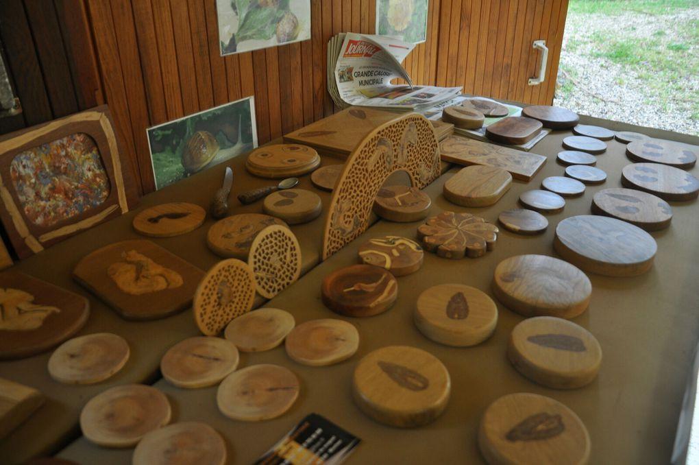 Présentation des pièces exposées (2 photos)