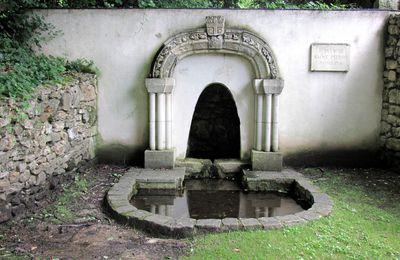 Fontaine Saint Pierre,  L'Etang-la-Ville