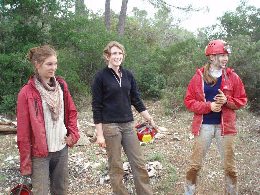 Le Spéléo club du Beausset et l'initiation des étudiants de l'OIKOS aux Rampins le 13102012