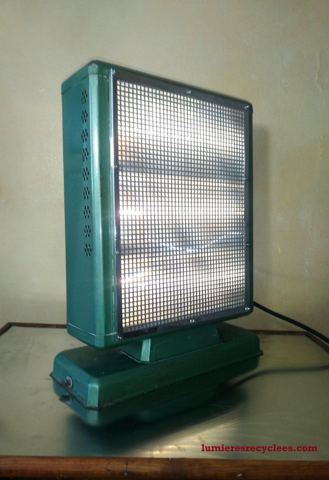 """Lampe Radiant """"AZUREA"""" 60's - 165 euros"""