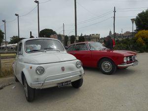 LES RENDEZ-VOUS DE LA REINE et ses autos anciennes sur le site de l'Office de Tourisme de Villeneuve lez Avignon (Gard)