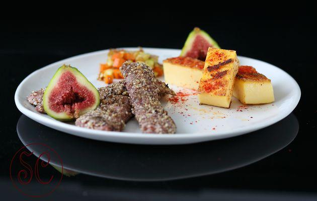 Aiguillettes de canard panées figues-noisettes et sa polenta crémeuse au piment basque